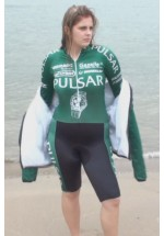 WP-Kelly in cyclingsuit (movie)
