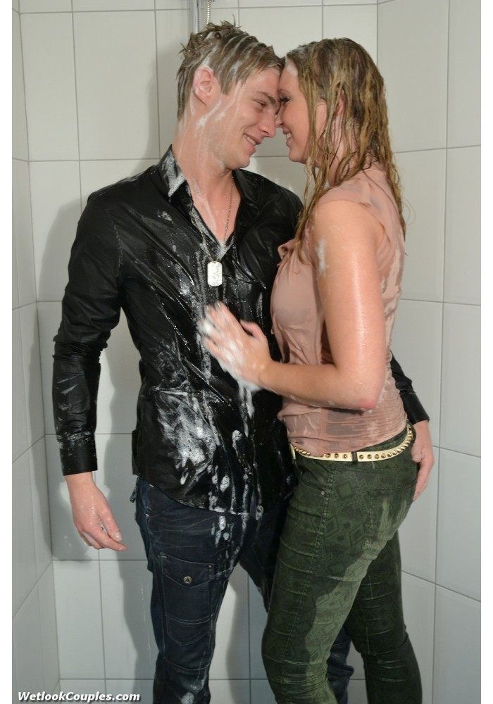 wetlook 180-3 Laura Martin