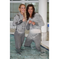 wp043 Linda & Mariska Jogging suits